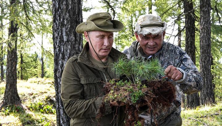 Владимир Путин и Сергей Шойгу на отдыхе в сибирской тайге