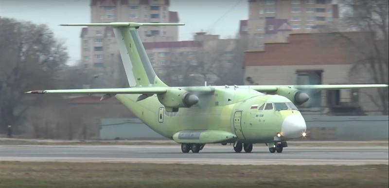 Испытание российского самолёта Ил-112В