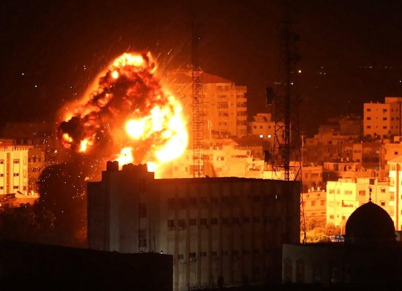 Израиль третьи сутки наносит удары по сектору Газа