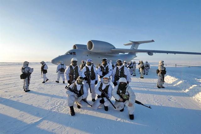 Арктика – белая пустыня, которую ещё будут делить. Готовимся мы, и они
