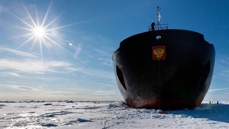 Русский ледокол в Арктике