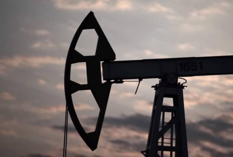 На открытии торгов 9 марта цена на нефть марки Brent обрушилась на 22%