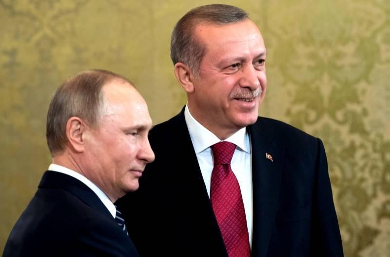 Информационную войну в Турции выиграла Россия