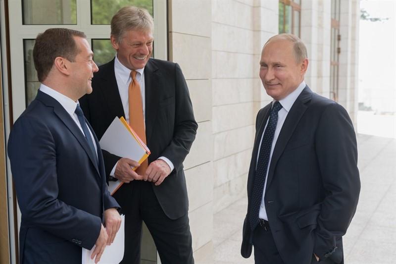 Песков сказал, что в Кремле следят за высказываниями Зеленского и делают выводы