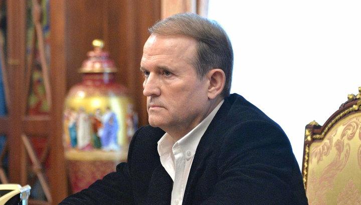 Медведчук расказал почему до сих пор сидит Сенцов