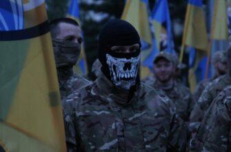 Годовщину оккупации Мариуполя отметили парадом украинских нацистов