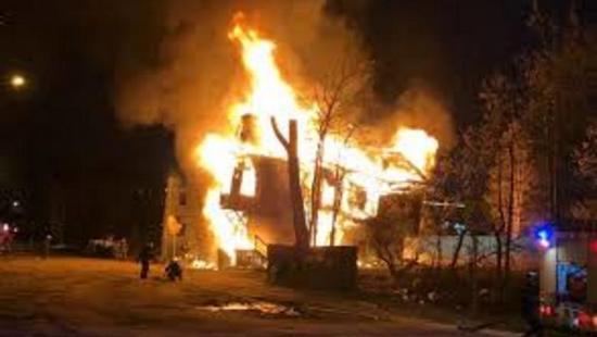 В поселке Урдома Архангельской области сгорел дом соучредителя Фонда развития Ленского района Сергея Литвинова.