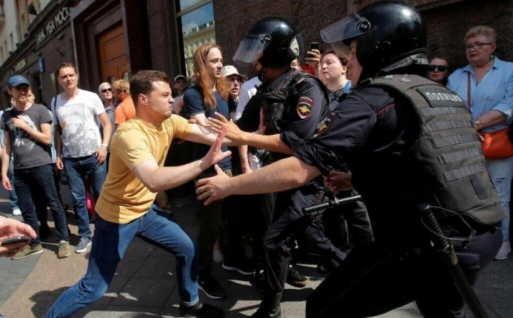 Московская оппозиция продолжит митинговать 10 августа