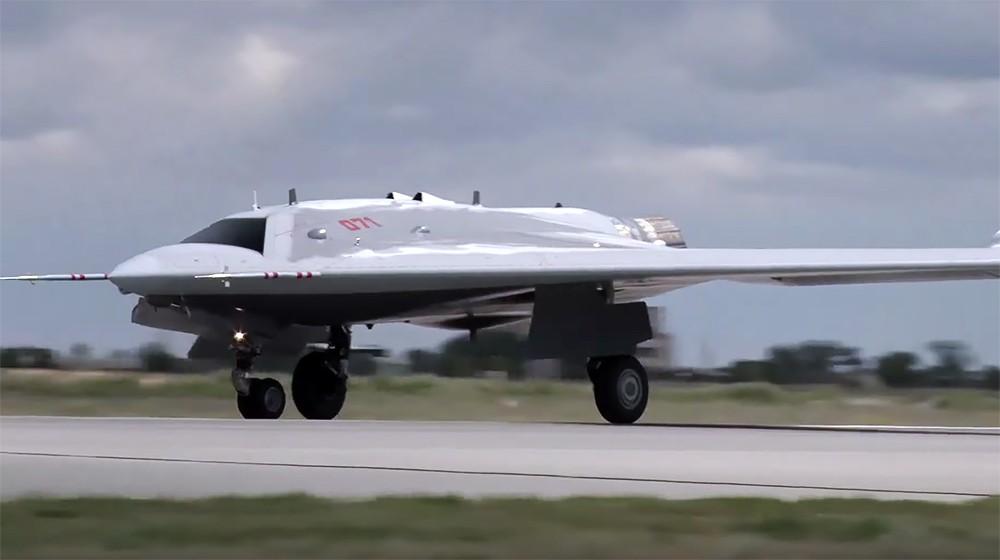 Зачем БЛА «Охотник» нужен Воздушно-космическим силам России