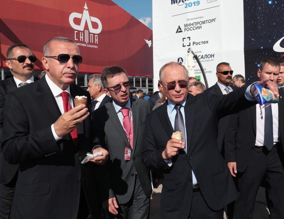 Боевики в Идлибе обиделись на Эрдогана, который кушает мороженое с Путиным