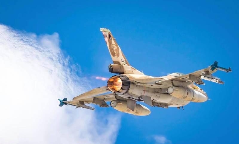 Израиль подло прикрылся гражданским самолетом при ракетном ударе по Сирии