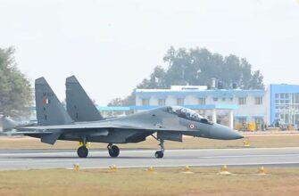 """Фигура """"Вертикальный Чарли"""", исполненная Су-30МКИ, вызвала восторженные отзывы в Индии"""