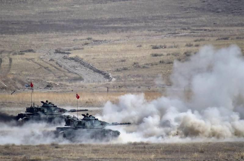 Турецкая армия начала военную операцию в Сирии: танки пересекли «красную черту»