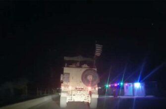 Военная колона США под прикрытием вертолётов движется в провинцию Дейр-эз-Зор из Ирака
