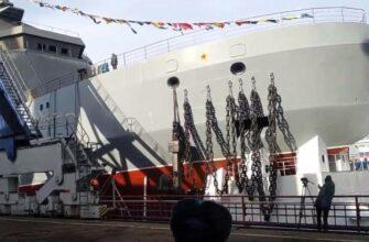 Для Минобороны в Петербурге спущен на воду головной ледокол проекта 23550
