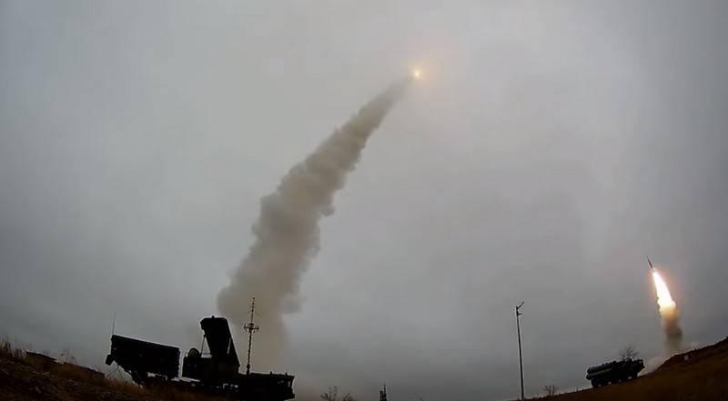 Видео стрельб ЗРС С-400 на полигоне Капустин Яр