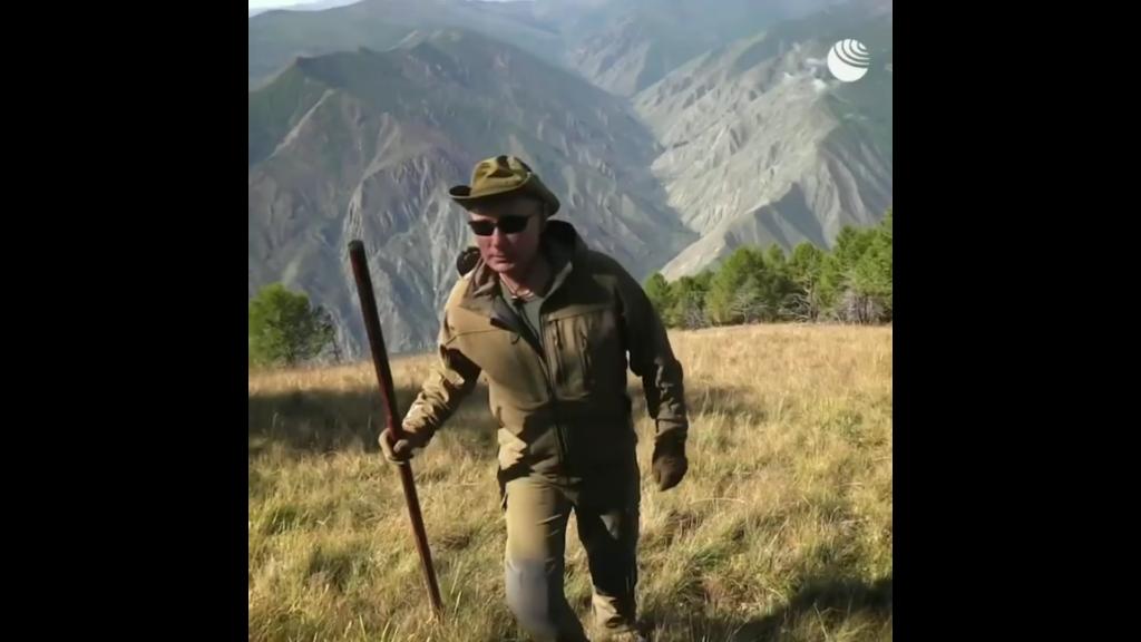 Прогулка Путина и Шойгу в сибирской тайге на высоте двух тысяч метров