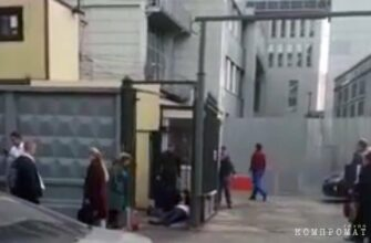 В Москве у входа в СК РФ зарезали полковника Владислава Капустина