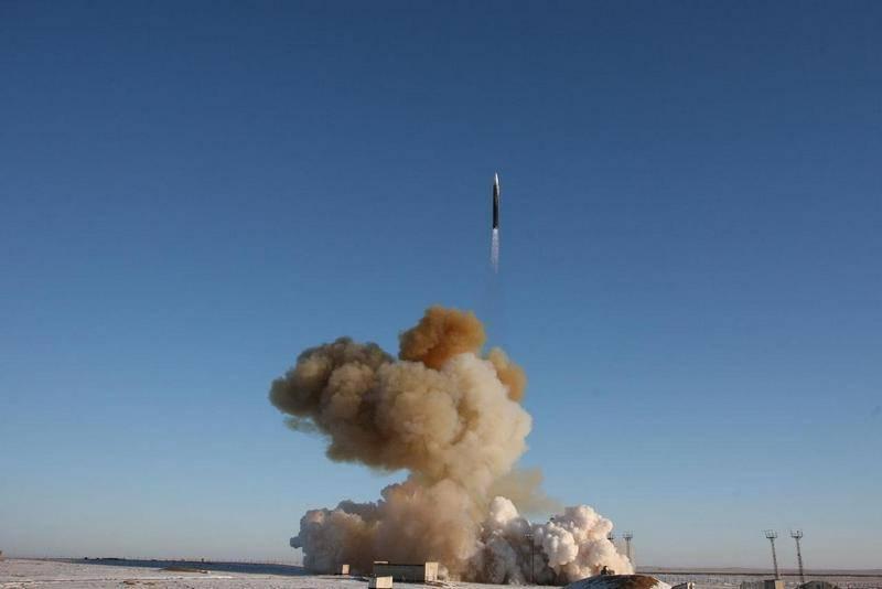 """ТАСС: Ракетные войска стратегического назначения начинают развёртывание новейшего комплекса """"Авангард"""""""