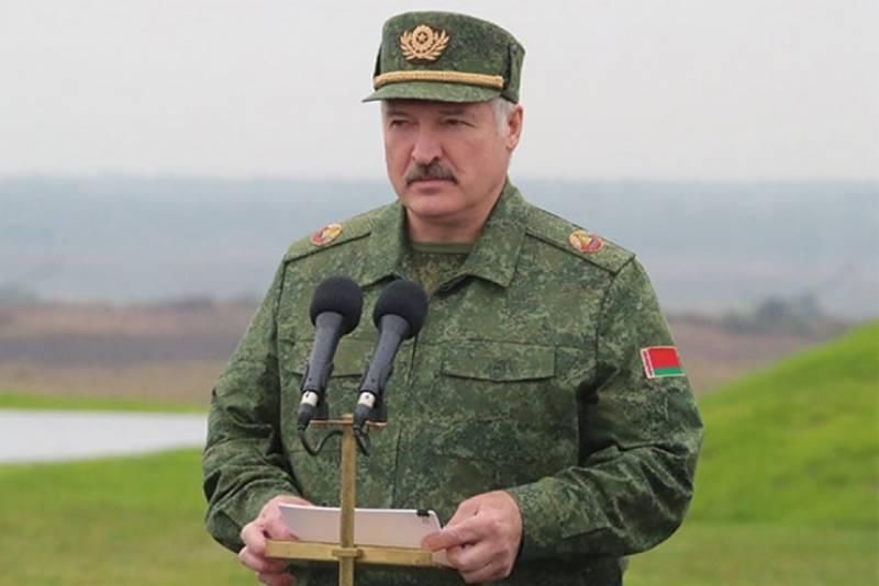 Лукашенко хочет и рыбку съесть и Су-30СМ бесплатно получить