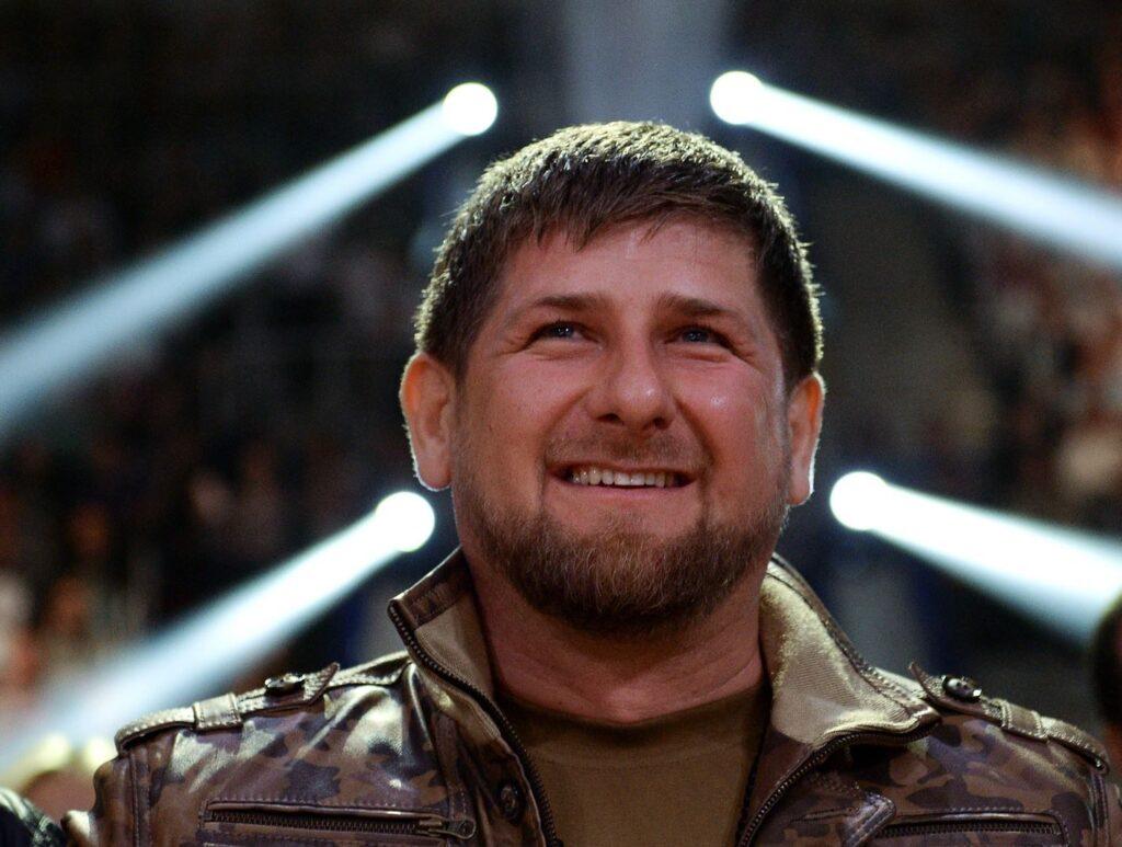 Кадыров пообещал нокаутировать Емельяненко первым ударом