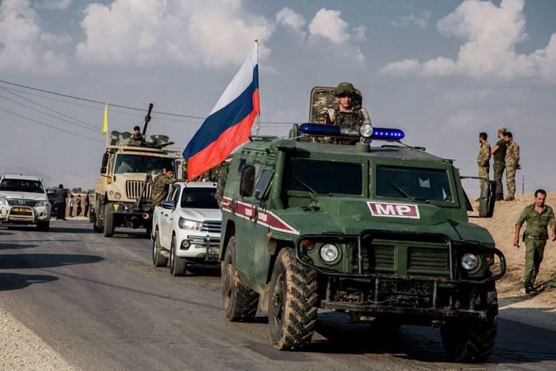 Взрыв на пути следования военной полиции в Сирии ранил российских офицеров