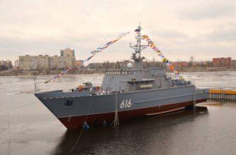 Морской тральщик «Яков Баляев» проекта 12700 спущен на воду в Санкт-Петербурге