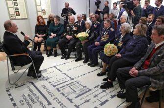 Путин: Мы заткнем поганый рот тем, кто переписывает историю