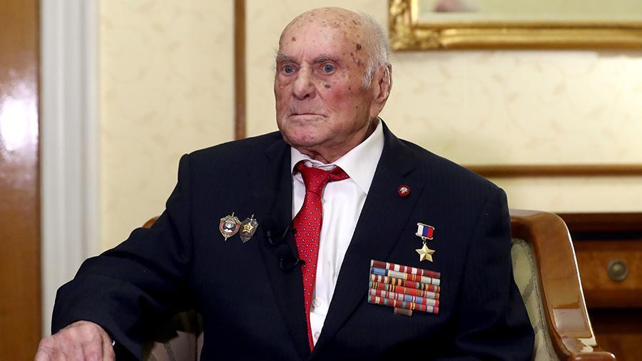 На 104-м году жизни скончался легендарный советский разведчик Алексей Ботян