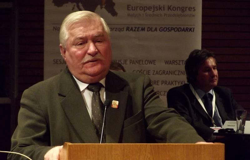 Экс-президент Валенса высмеял идею Польши требовать репарации от России