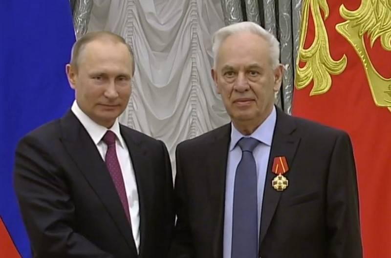 Умер главный конструктор Су-34 Роллан Мартиросов