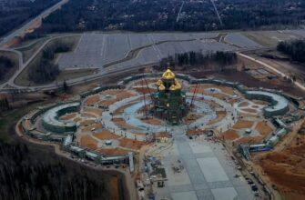 В РПЦ считают уместным изображение Сталина и Путина в главном храме ВС РФ