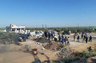 Протурецкие боевики воюют против турецкой армии на трассе М-4