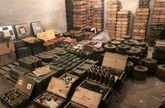 Прокуратура Украины обнаружила БТР, БМП и тонны боеприпасов отрядов Яроша на территории детского лагеря