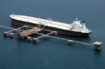 Десятки саудовских нефтетанкеров не могут попасть в США