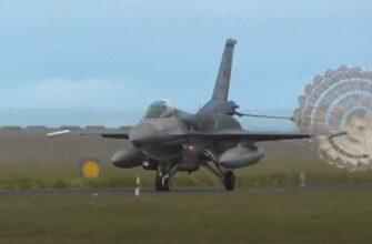 В доле секунды от возможного столкновения: F-16 ВВС Турции пересёк курс греческого истребителя