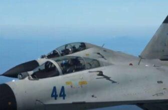 Китай использовал Су-30 для перехвата самолёта C-40 Clipper ВВС США у берегов Тайваня