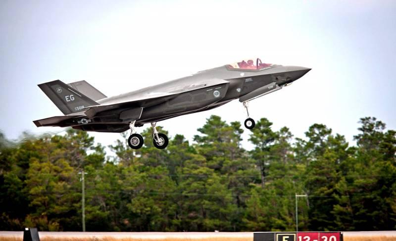 Военные авиастроители США терпят неудачи вслед за гражданскими