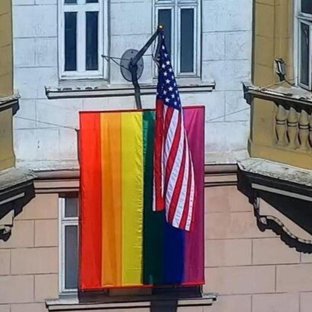 Вашингтонский ЛГБТ начинает давать сбой
