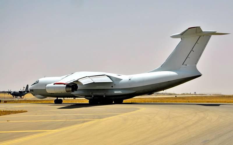 ПНС: 11 российских транспортных самолетов что-то привезли в Ливию