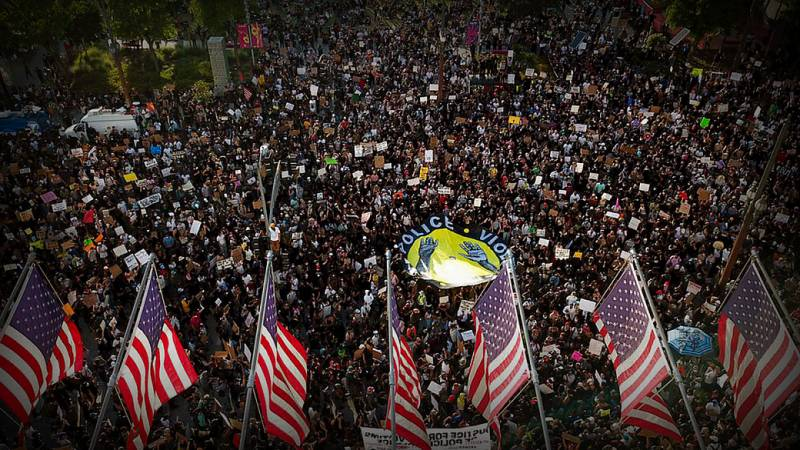Эхо протеста. В США растут темпы заражения COVID-19