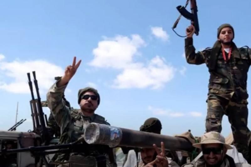 СМИ: ЧВК Вагнера вербует сирийцев для войны в Ливии на стороне Хафтара
