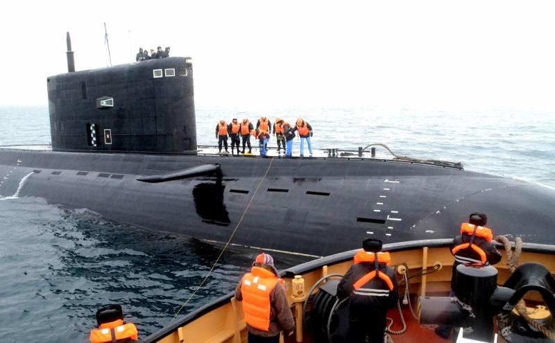 Российский подводный флот может оказаться запертым в Черном море