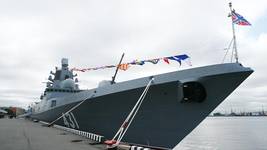 На фрегате «Адмирал Касатонов» поднят Андреевский флаг