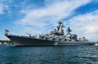 Крейсер «Москва» выведен из дока в Севастополе