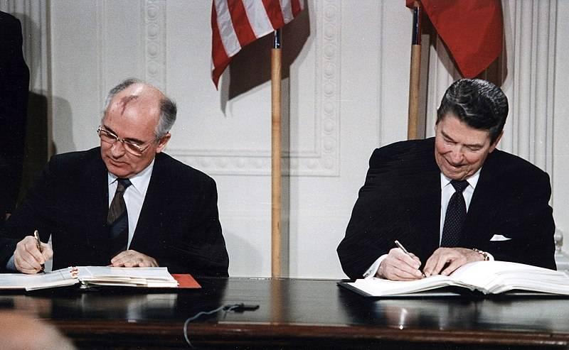 Как готовили развал СССР: демократия, национализм и разрушение армии