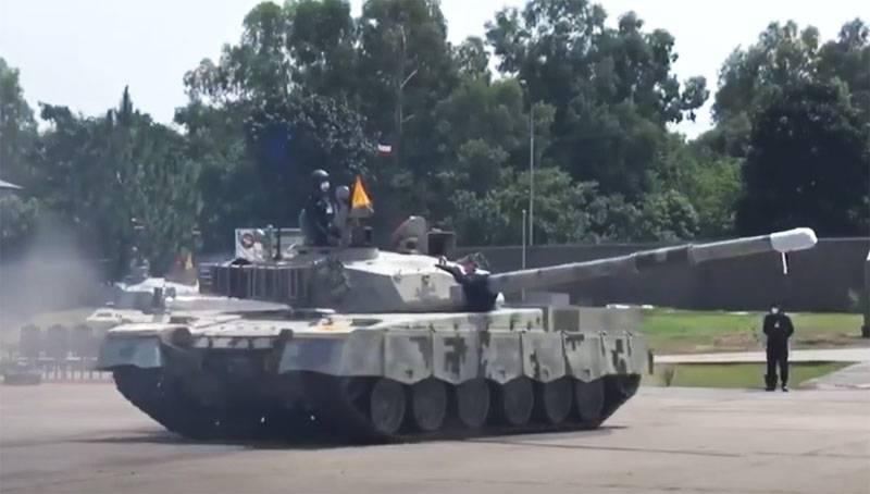 «Могут сыграть решающую роль в военном конфликте»: армия Пакистана получила новые танки «Аль-Халид-1»
