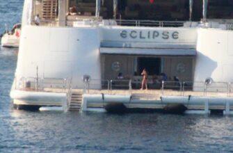 Абрамович на своей 163-метровой яхте засветился в Турции