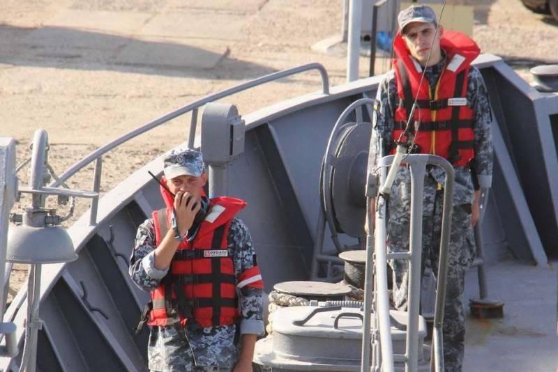 Новая переброска бронекатеров ВМС Украины на Азовское море