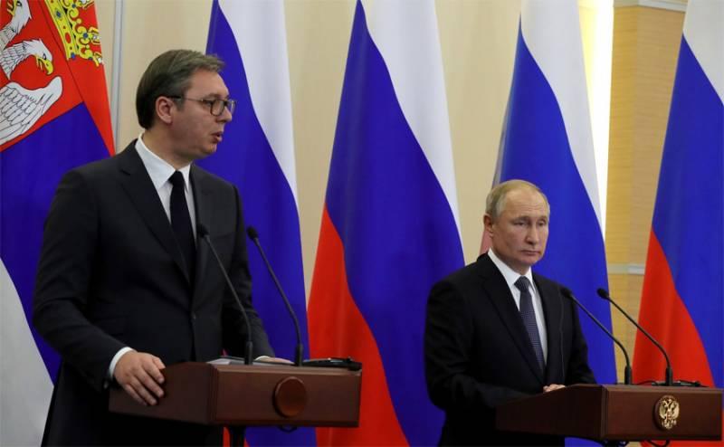В сети обсуждается извинение Путина перед Вучичем за нашумевший пост Захаровой